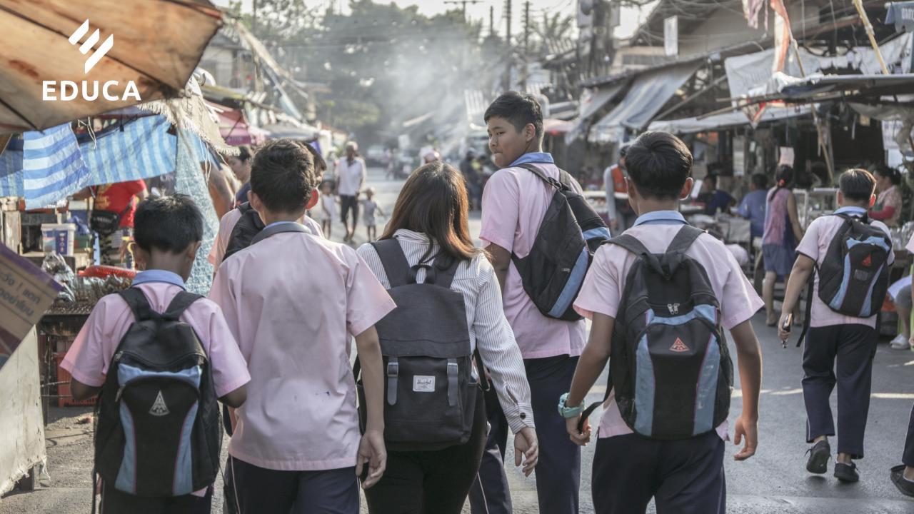 จากห้องเรียนสู่ชุมชน: ริเริ่มการเปลี่ยนแปลงที่ยั่งยืน เริ่มต้น เข้าถึง-เข้าใจ จากนอก สู่ในห้องเรียน
